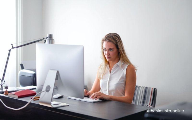 Otthoni számítógépes munka